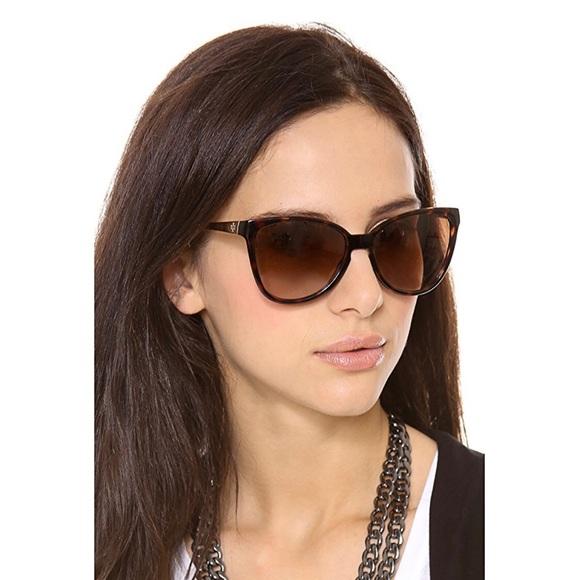 e0054171e662 Tory Burch Accessories | Modern Foldable Sunglasses With Case | Poshmark